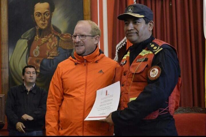 Bomberos de Jujuy reconocidos por su colaboración en el incendio de Tarija.