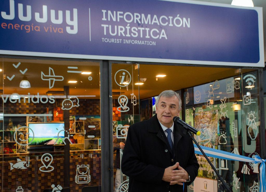 El Gobernador Gerardo Morales, Inauguración oficina turística en la terminal.
